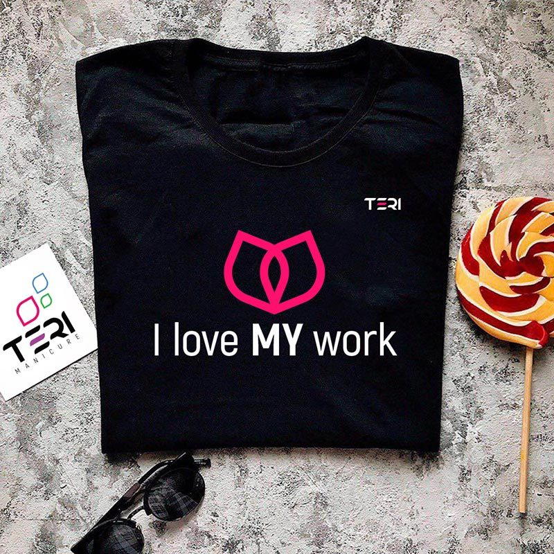 Фирменная чёрная футболка, надпись I love my work
