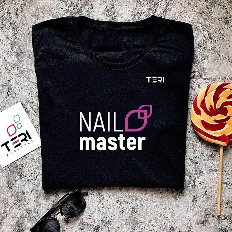 Фирменная чёрная футболка, надпись Nail master